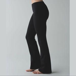 lululemon Black Flare Tie Waist Yoga Pants sz 6